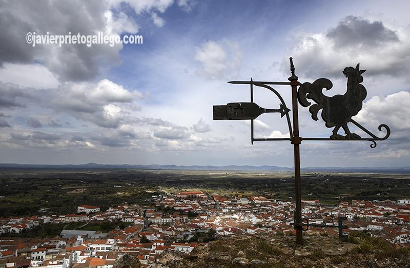 Vista de Alburquerque desde lo alto de su castillo. [Alburquerque. Badajoz. Extremadura. España. © Javier Prieto Gallego]