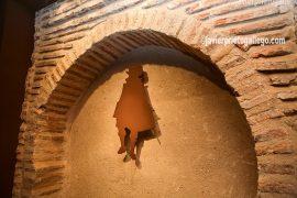Ladrillo mudéjar y logotipo en un rincón del Palacio del Caballero. Olmedo. Valladolid. Castilla y León. España. © Javier Prieto Gallego