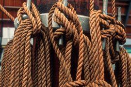 Cabos amarrados en la cubierta del Fram. Detalle de la cubierta del barco polar Fram que se exhibe en el museo del mismo nombre. Península de Bygdoy. Oslo. Noruega. © Javier Prieto Gallego