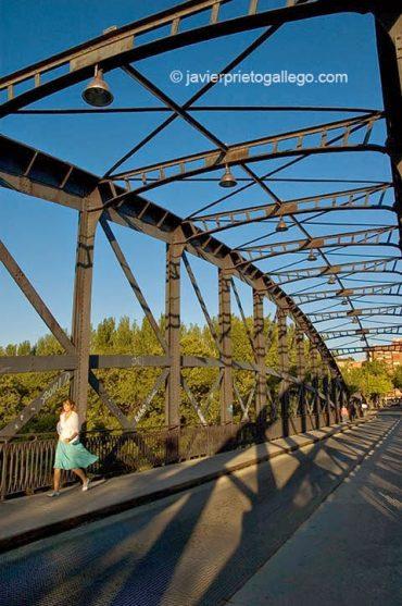 Puente Colgante. Valladolid. Castilla y León. España © Javier Prieto Gallego