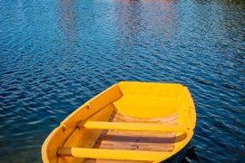 Fortaleza de Trakai, lugar de nacimiento del gran duque Vytautas, el soberano más importante de la historia de Lituania. El castillo está construido en una isla del lago Galvé. Parque Histórico Nacional a 28 km al oeste de Vilna. [Vilna (Vilnius). Lituania, 2006 © Javier Prieto Gallego].