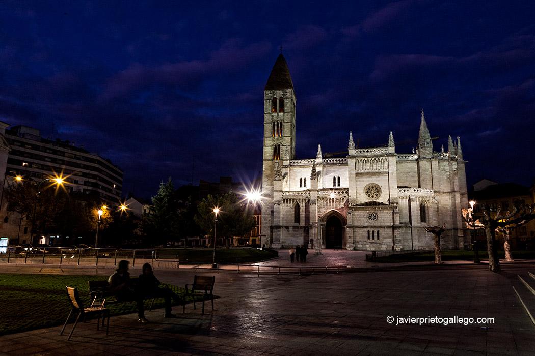 Iglesia de La Antigua. Valladolid. Castilla y León. España © Javier Prieto Gallego