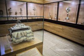 Arqueta de plata que contiene el Mantel de la Sagrada Cena en el Museo de la Catedral de Coria. Catedral de Coria. Localidad de Coria. Cáceres. Extremadura. España. © Javier Prieto Gallego