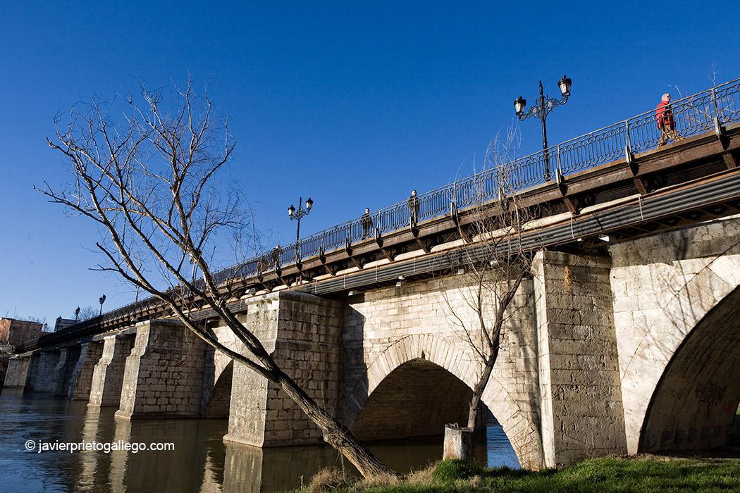 Puente Mayor. Valladolid. España, 2009 © Javier Prieto Gallego