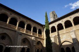La espadaña desde el claustro del monasterio de Santa María de Valbuena. Ribera del Duero. Valladolid. Castilla y León. España © Javier Prieto Gallego;