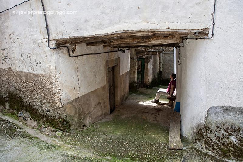 Callejón. localidad de Erías. Comarca de Las Hurdes. Cáceres. Extremadura. España. © Javier Prieto Gallego;