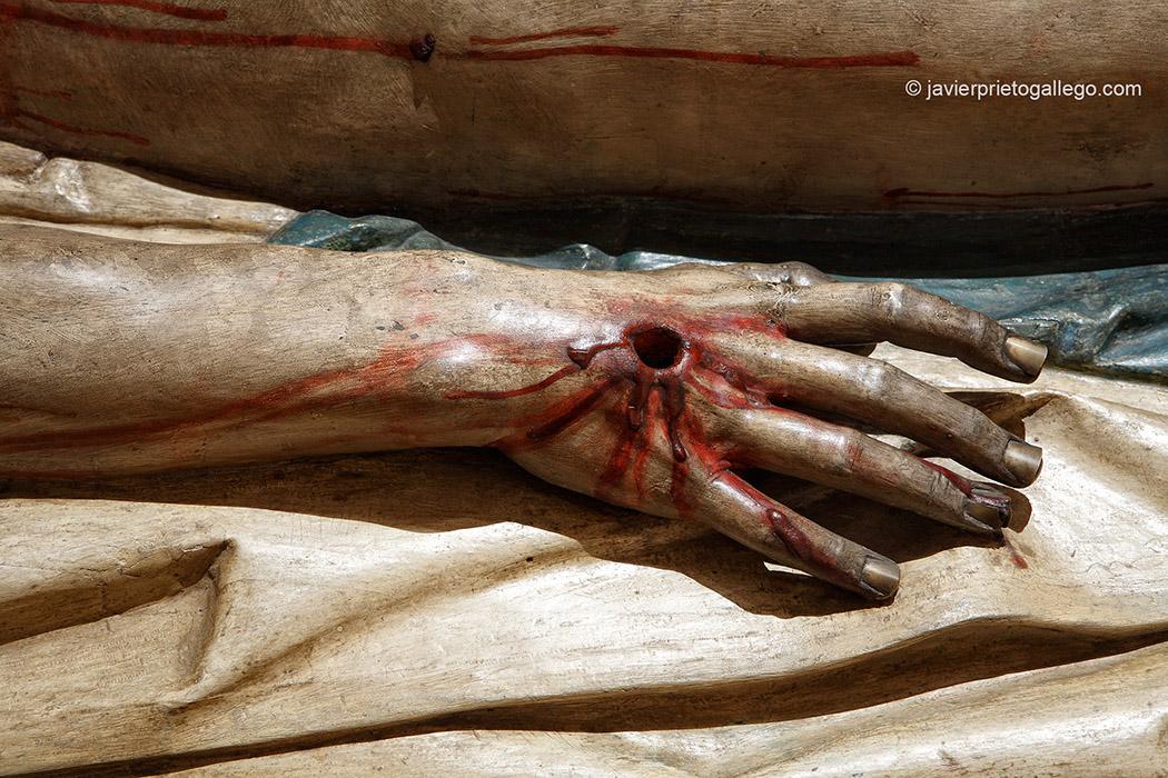 Detalle de una mano. Cristo yacente. de Gregorio Fernández. Museo. Monasterio de San Joaquín y Santa Ana. Valladolid. Castilla y León. España. © Javier Prieto Gallego