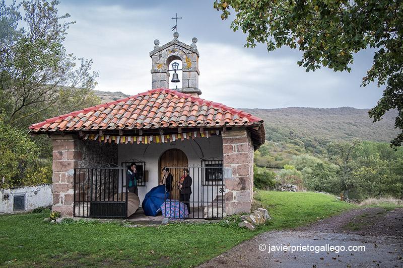 Ermita de San Roque. Senda de la Pedrosa. Brañosera. Palencia. España © Javier Prieto Gallego
