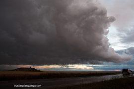 Tormenta en la carretera de Navas de la Asunción a Olmedo. Segovia. Castilla y León. © Javier Prieto Gallego