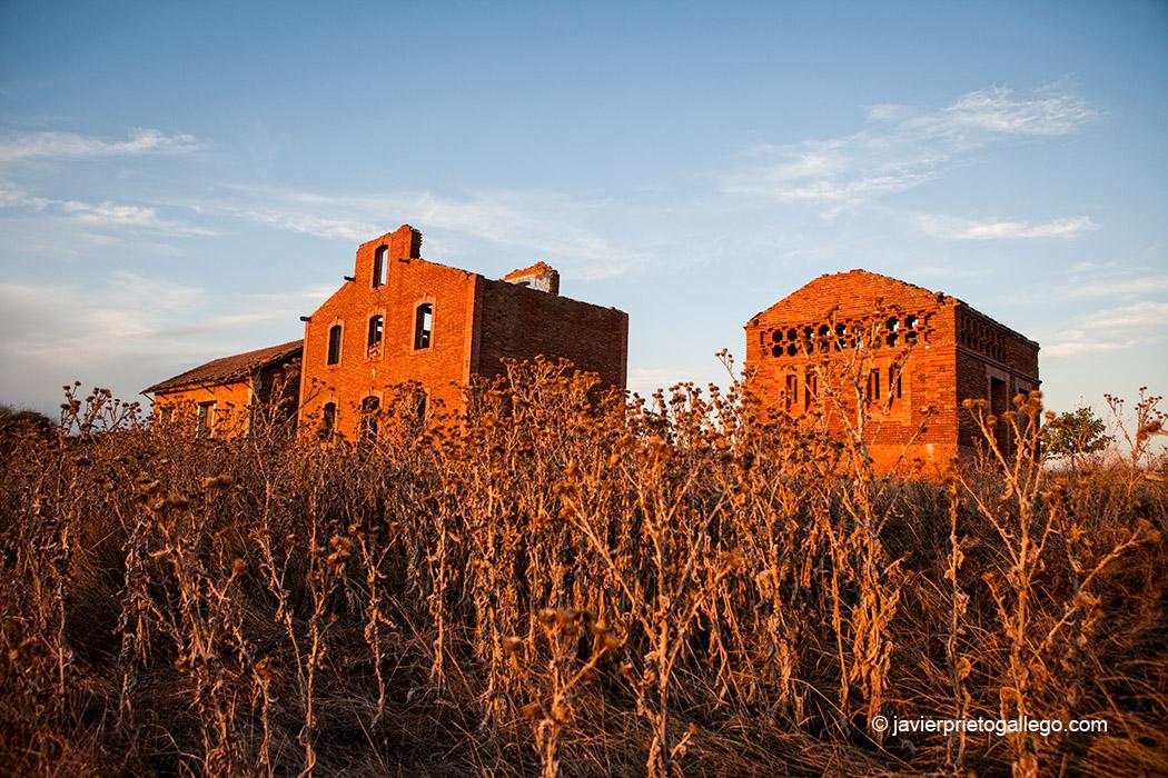 Ruinas de la estación de Castrofuerte, junto a la Vía Verde del Esla. León. Castilla y León. España © Javier Prieto Gallego;