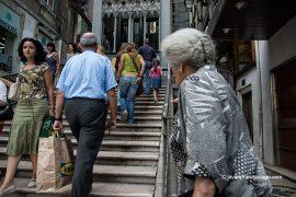 Escaleras de acceso al elevador de Santa Justa. Lisboa. Portugal, 2005 © Javier Prieto Gallego;