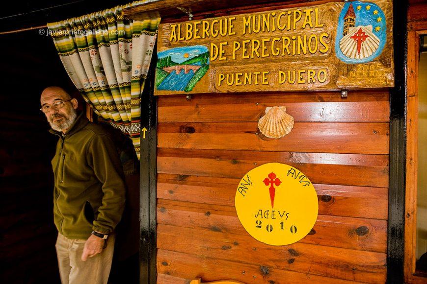 Albergue de peregrinos en la localidad de Puente Duero, en el camino de Santiago desde Madrid. Puente Duero, Valladolid, Castilla y León,  España. © Javier Prieto Gallego