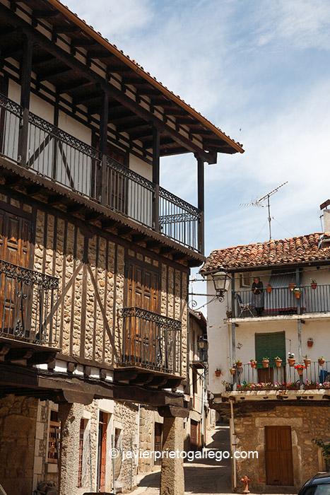 Plaza de Eloy Bullón. Localidad de Sequeros. Salamanca. Castilla y León. España. © Javier Prieto Gallego