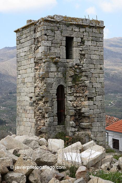 Torre del castillo del siglo XIV. Erjas. Sierra de Gata. Extremadura. España. © Javier Prieto Gallego