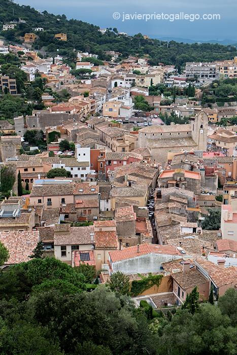Vista desde el castillo de Begur. Localidad de Begur. Costa Brava. Gerona. España © Javier Prieto Gallego;