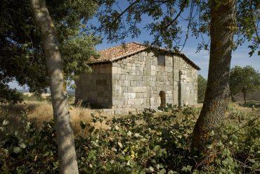 Ermita hispanovisigoda de Santa María, en Quintanilla de las Viñas. Burgos. Castilla y León. España © Javier Prieto Gallego;