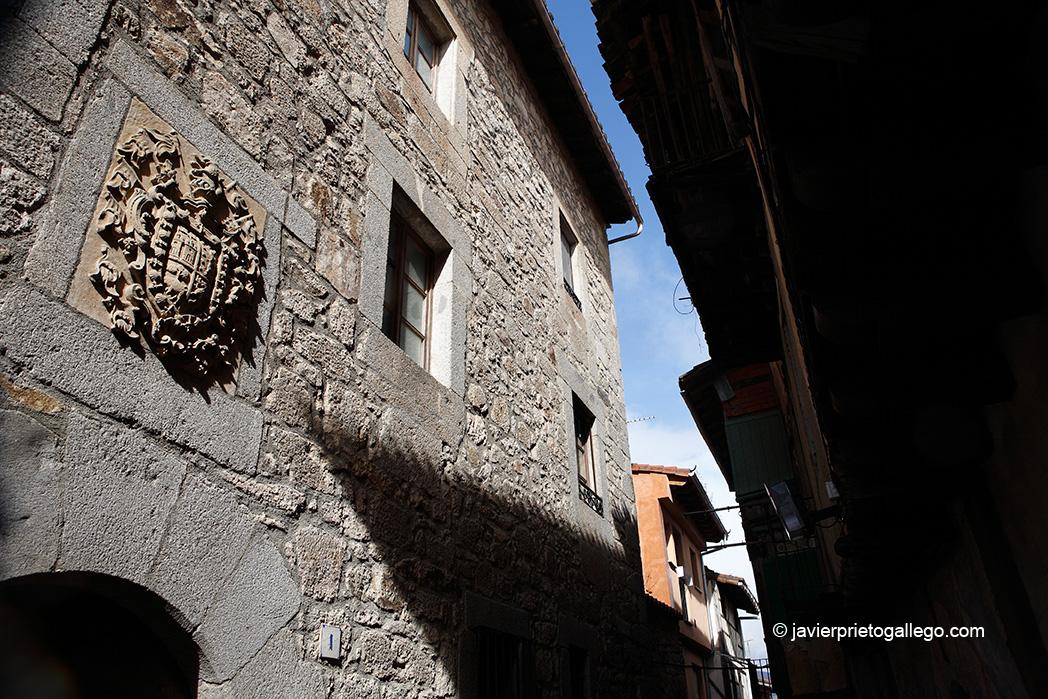 Dintel de una casa. Localidad de Miranda del Castañar. Salamanca. Castilla y León. España. © Javier Prieto Gallego