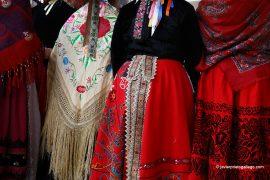 Trajes típicos durante la celebración de Las Águedas. Localidad de Miranda del Castañar. Salamanca. Castilla y León. España. © Javier Prieto Gallego