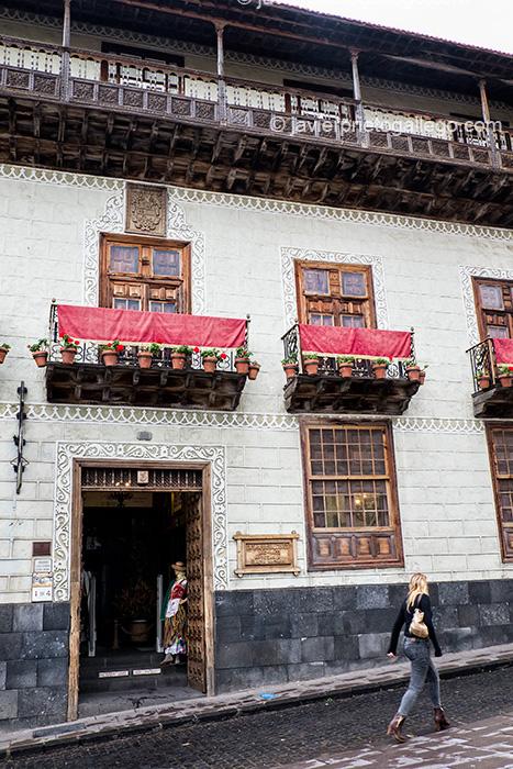 La Casa de los Balcones expone y vende artesanías de la isla. Icod de los Vinos.Tenerife. Islas Canarias. España © Javier Prieto Gallego