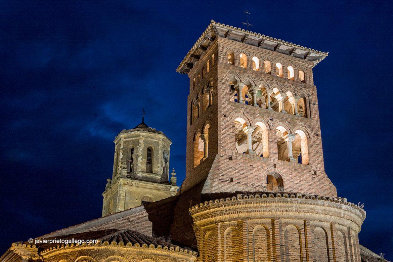 Iglesia de San Tirso Y torre del Reloj. Sahagún. León. Castilla y León. España. © Javier Prieto Gallego
