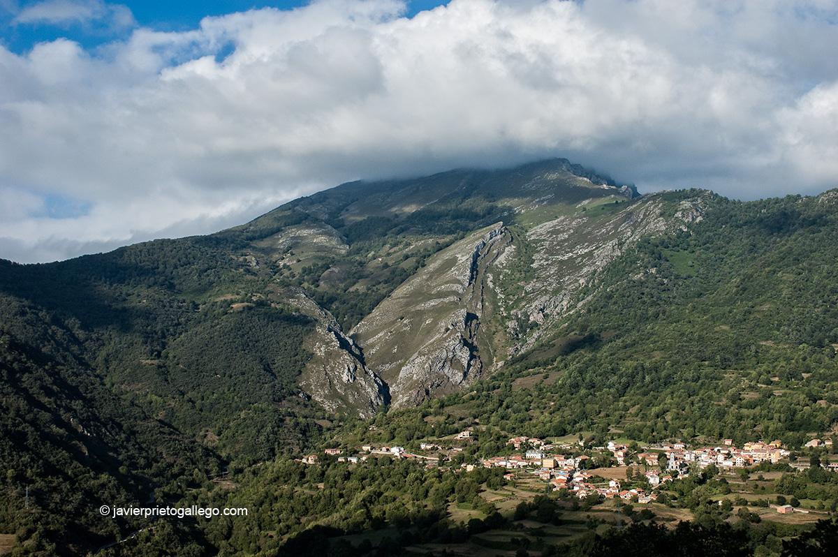 Oseja de Sajambre. Parque Regional de Picos de Europa. León. Castilla y León. España. © Javier Prieto Gallego