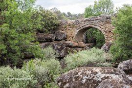 El puente de La Fonseca. A dos kilómetros de Villar de Corneja y en el sendero señalizado PRC-AV-11. Valle del Corneja. Ávila. Castilla y León. España. © Javier Prieto Gallego