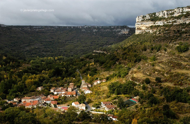 Localidad de Escalada. Parque Natural de las Hoces del Alto Ebro y Rudrón. Merindades. Burgos. Castilla y León. España © Javier Prieto Gallego