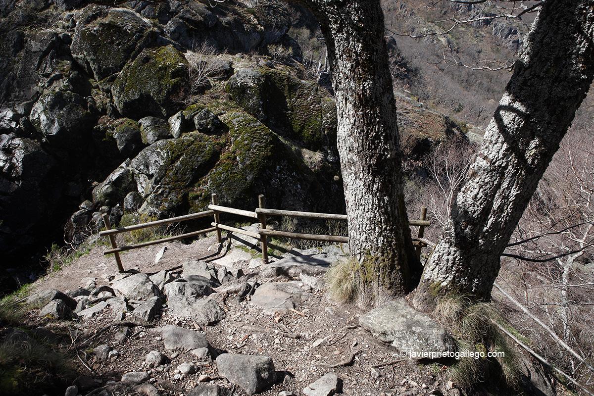 Balcón desde el que se contemplan las cascadas de Sotillo. Sotillo de Sanabria. Parque Natural Lago de Sanabria y alrededores. Zamora. Castilla y León. España © Javier Prieto Gallego