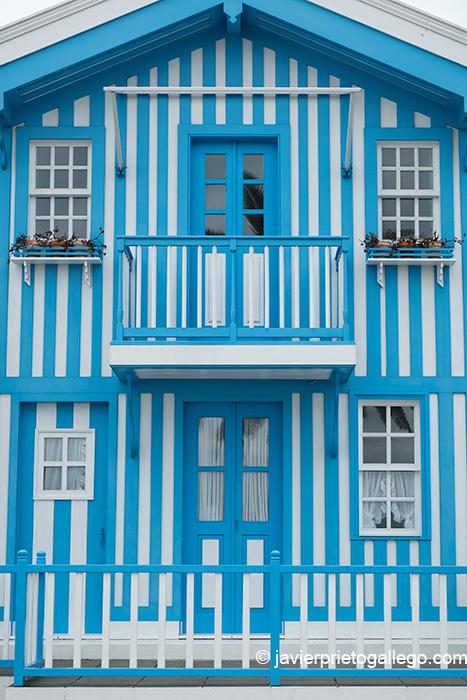 Edificios de colores en la Avenida Jose Estevao. Costa Nova. Ílhavo. Aveiro. Portugal © Javier Prieto Gallego