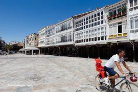 Galerías en la plaza de España de Aguilar de Campoo. Palencia. Castilla y León. España © Javier Prieto Gallego