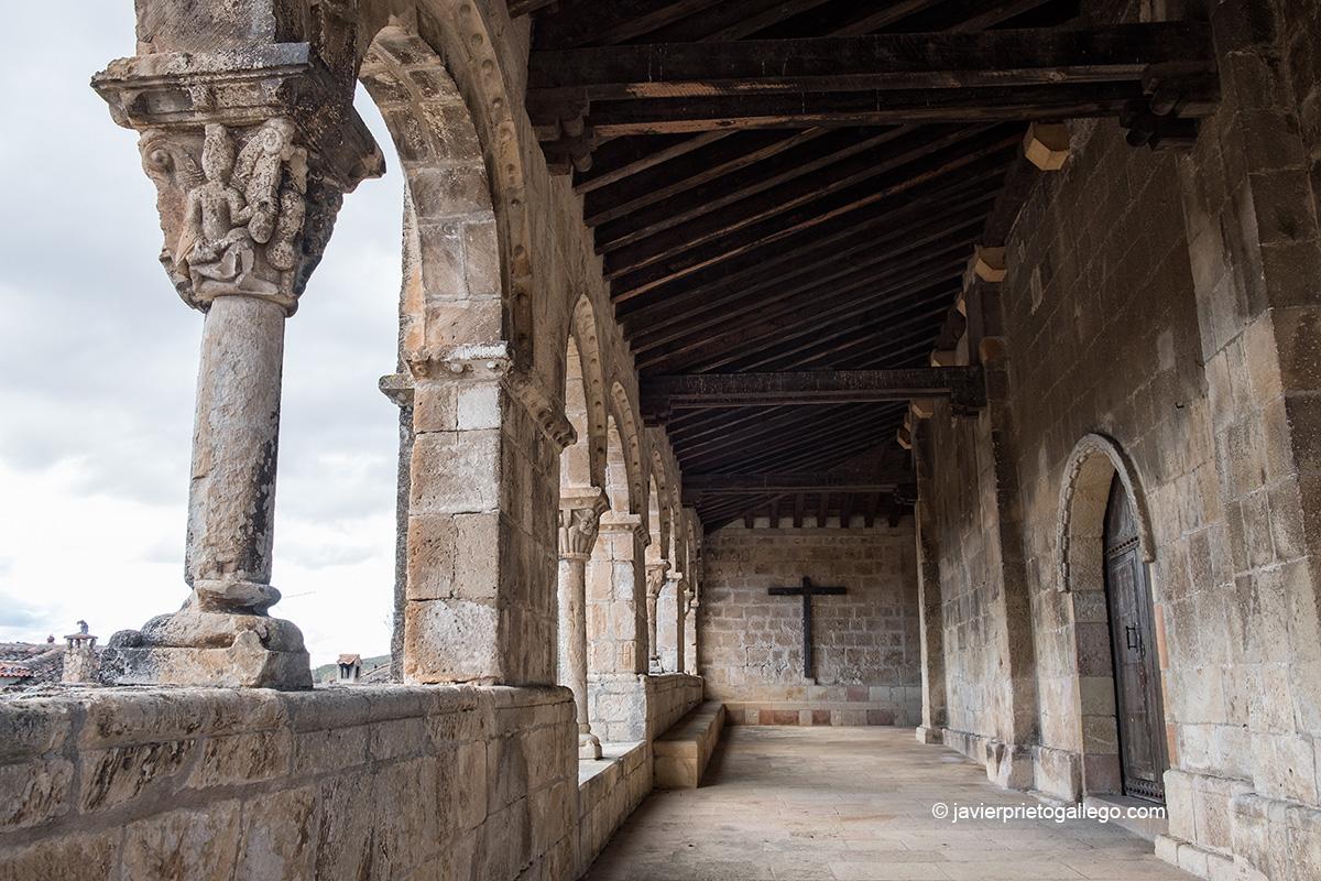 Galería porticada. Iglesia románica de San Salvador. Siglo XI. Sepúlveda. Segovia. Castilla y León. España © Javier Prieto Gallego