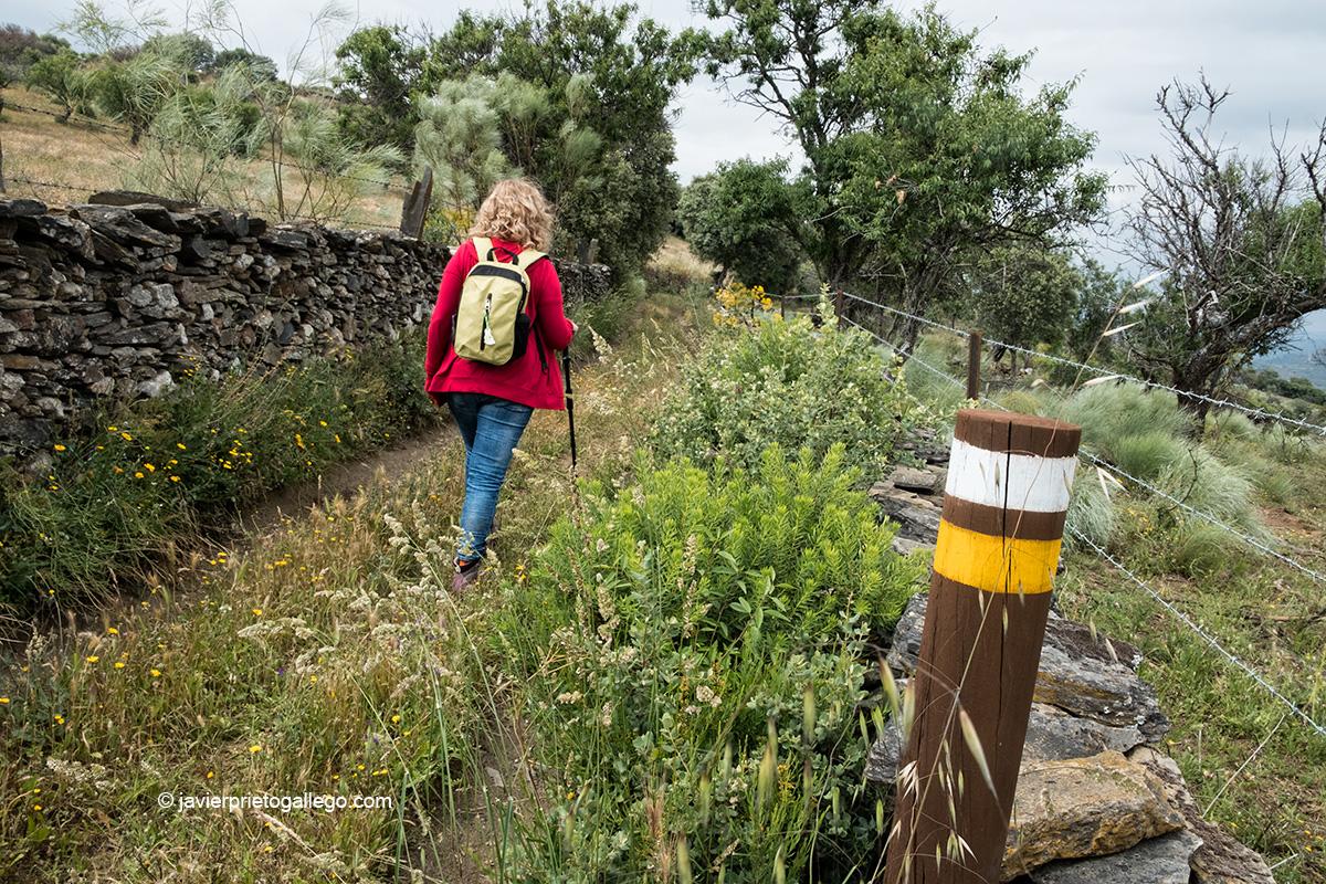 Señalización del sendero. Ruta de los Contrabandistas. Parque Natural Arribes del Duero. Hinojosa de Duero. Salamanca. Castilla y León. España © Javier Prieto Gallego;