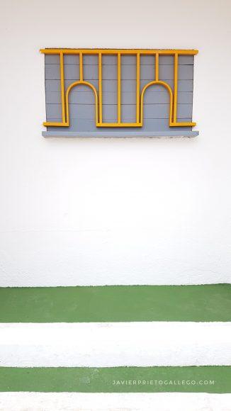 Antiguas taquillas de una piscina. Peñíscola. Castellón. Comunidad Valenciana. España. © Javier Prieto Gallego