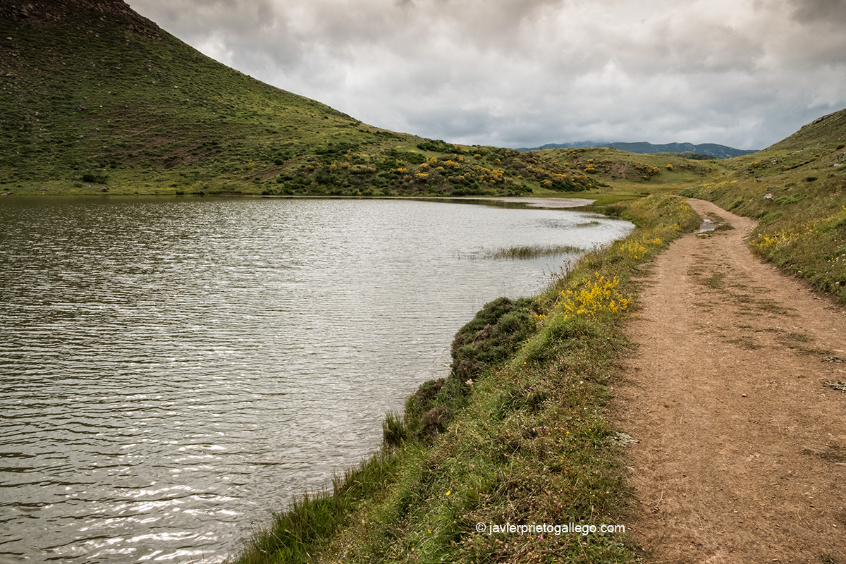 La Laguna Grande de Babia es uno de los puntos seleccionados para la observación de estrellas. Babia. León. Castilla y León. España © Javier Prieto Gallego;