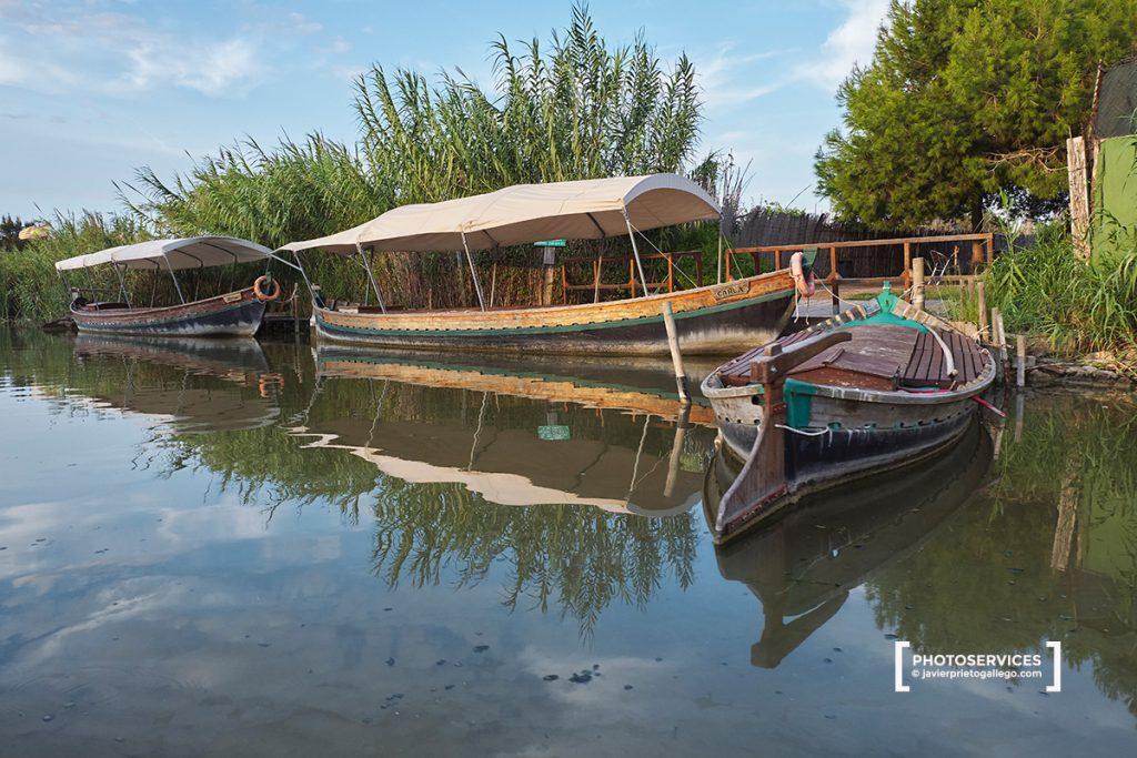 Paseos en barca al atardecer por La Albufera desde el El Palmar. La Albufera. Comunidad Valenciana. España. © Javier Prieto Gallego
