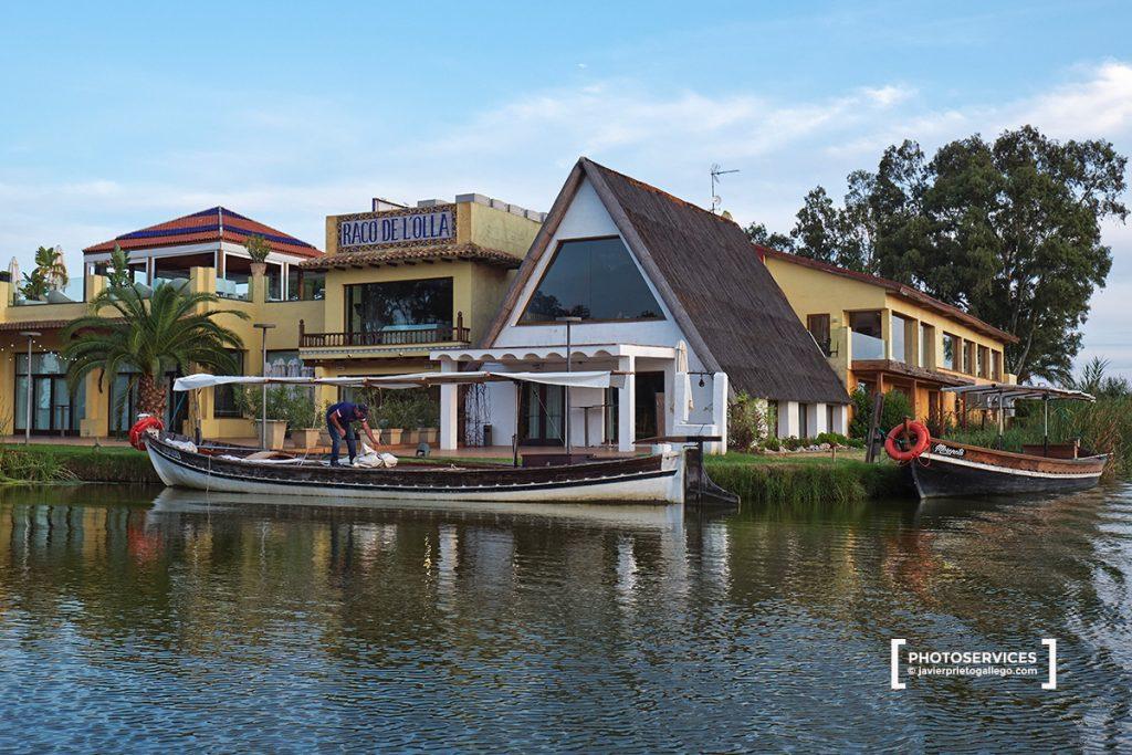 Restaurante Racó de la Olla. Paseos en barca al atardecer por La Albufera desde el El Palmar. La Albufera. Comunidad Valenciana. España. © Javier Prieto Gallego