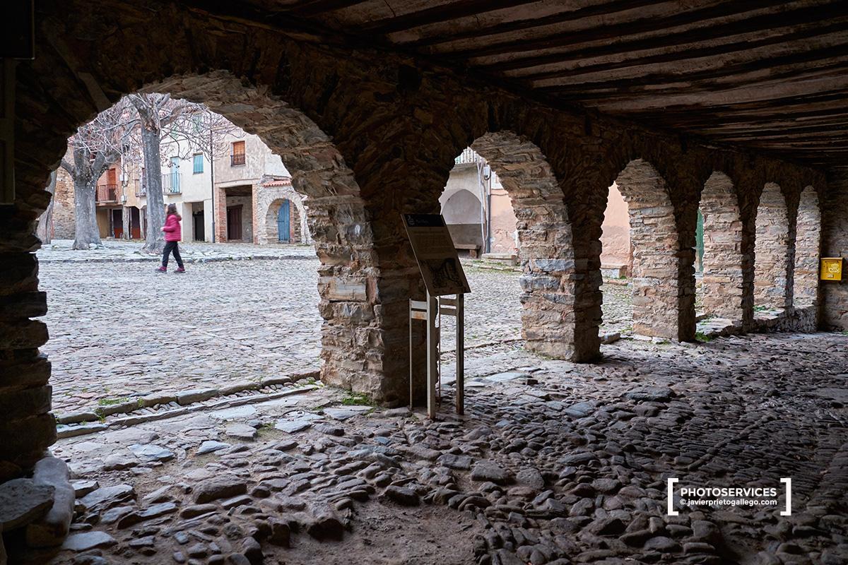 Soportales del Ayuntamiento. Yangüas. Ruta de las Icnitas. Soria. Castilla y León. España. © Javier Prieto Gallego