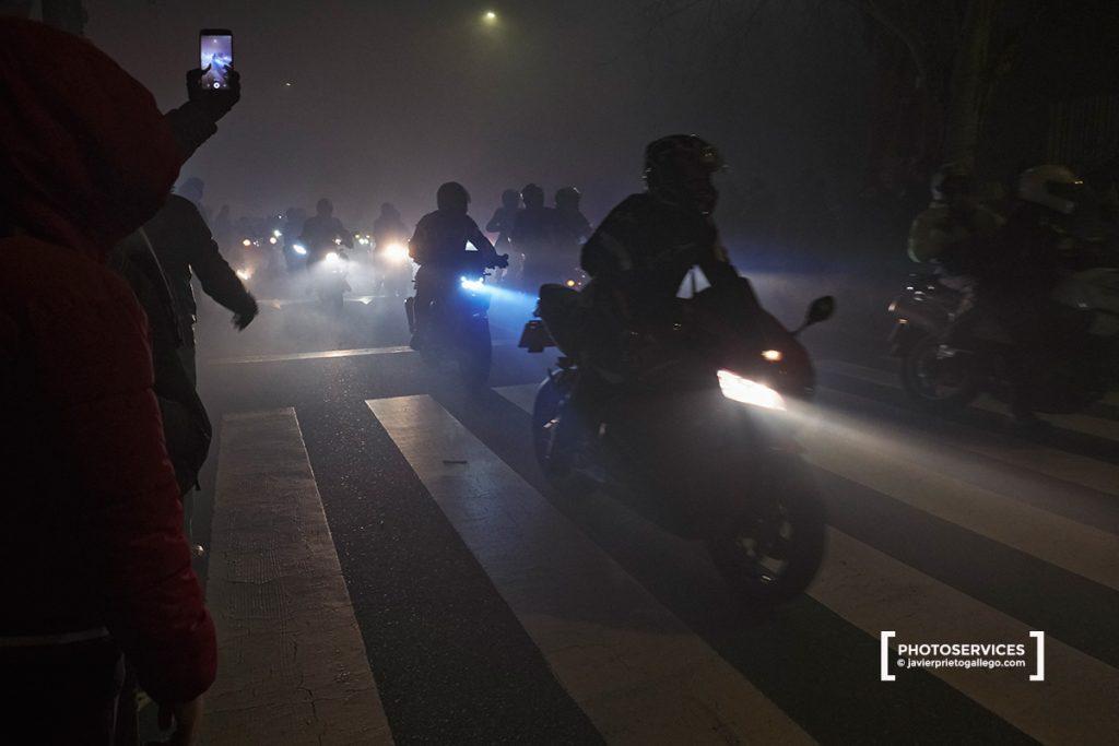 Desfile de Antorchas. 37ª Edición de PINGÜINOS. Concentración de motoristas. Valladolid. Castilla y León. España. © Javier Prieto Gallego