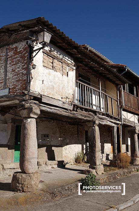 Viviendas en la localidad de La Calzada de Béjar. En la Vía de la Plata. Salamanca. Castilla y León. España © Javier Prieto Gallego