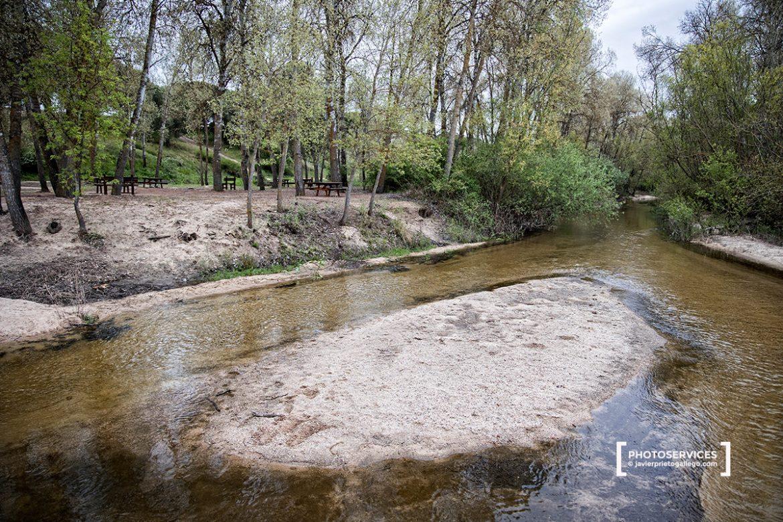El río Adaja a su paso por el puente de Piedra. Matapozuelos. Valladolid. Castilla y León. España. © Javier Prieto Gallego