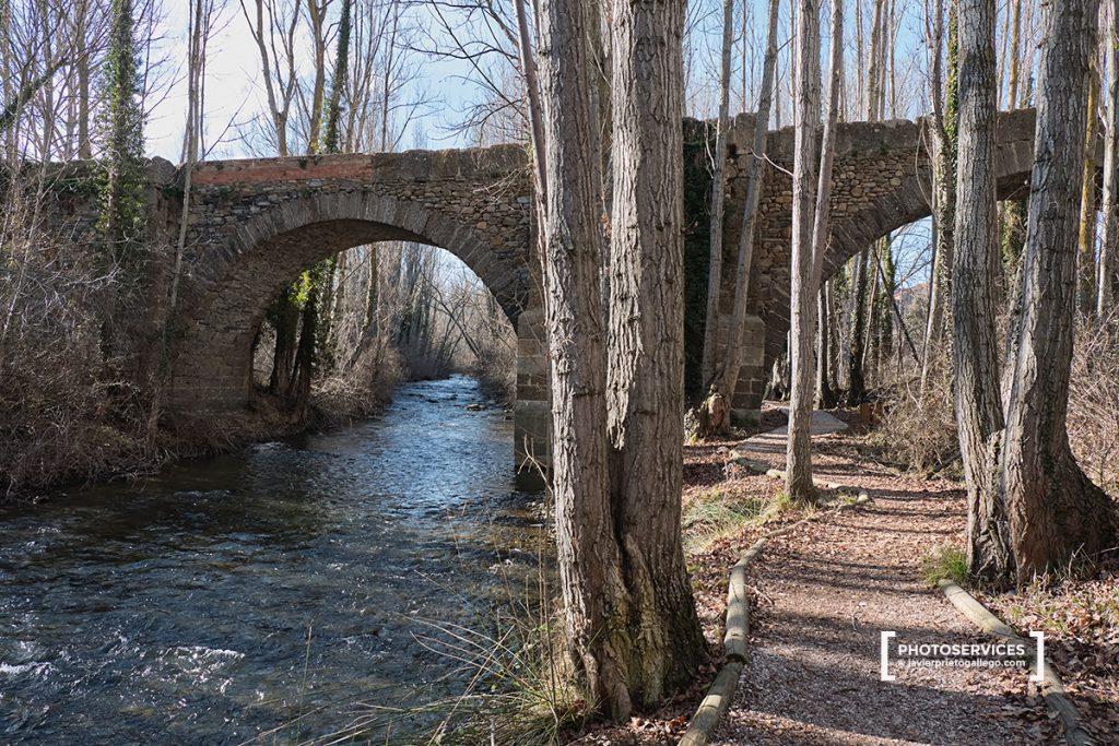 Puente de Santa María. Río Cidacos. Yanguas. Ruta de las Icnitas. Soria. Castilla y León. España. © Javier Prieto Gallego