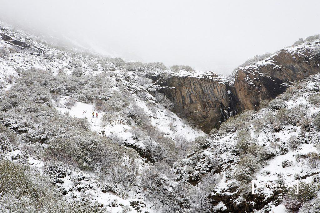 Cascada del arroyo Mazobre. Senda del arroyo Mazobre. Parque Natural de la Montaña Palentina. Palencia. Castilla y León. España © Javier Prieto Gallego