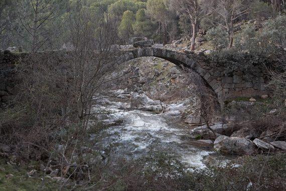 Puente Mocha sobre el Tiétar cerca de La Adrada. Sierra de Gredos. Valle del Tiétar. Ávila.Castilla y León. España. © Javier Prieto Gallego
